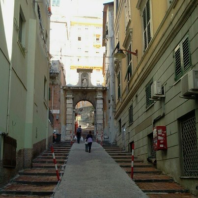 carrugi, genoa, colours, italy
