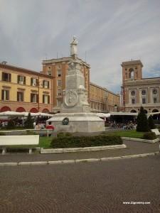 forlì saffi square piazza romagna