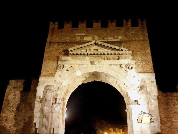 arch of august rimini